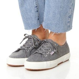 7250 Fantasia Collection Grey Wool Felt